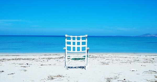 海辺のイス